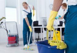 Brug rengøringsvogne til professionel rengøring